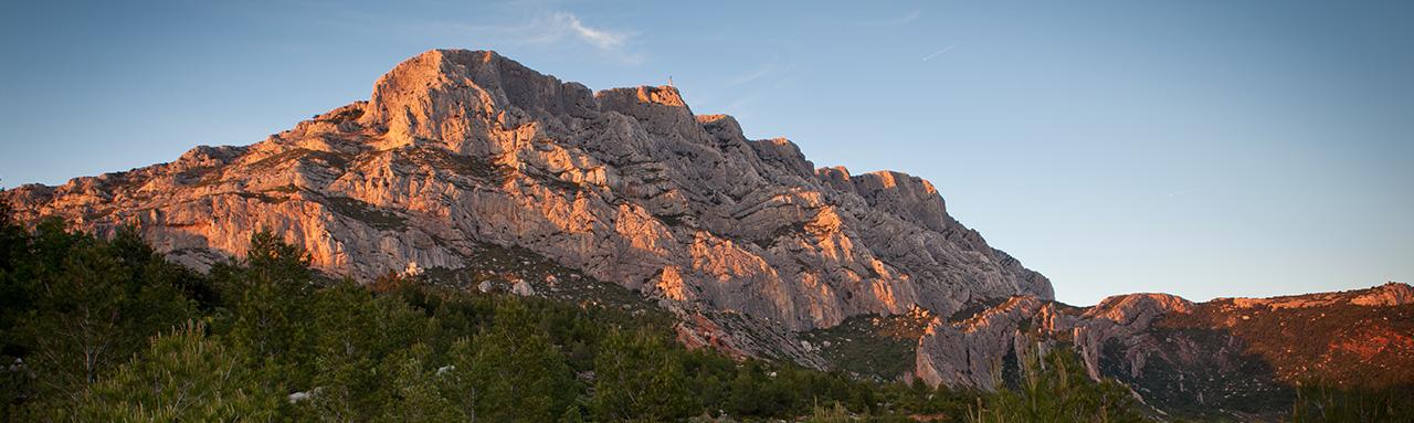 Coucher de soleil sur montagne Aix-en-Provence
